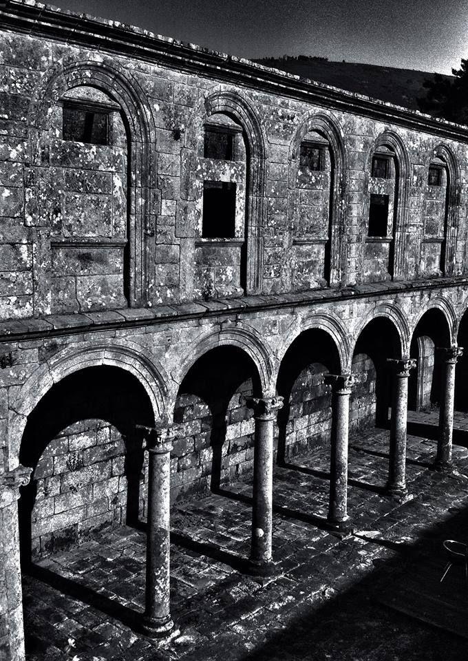 Claustro 2.  mosteiro de Melón. #ourense