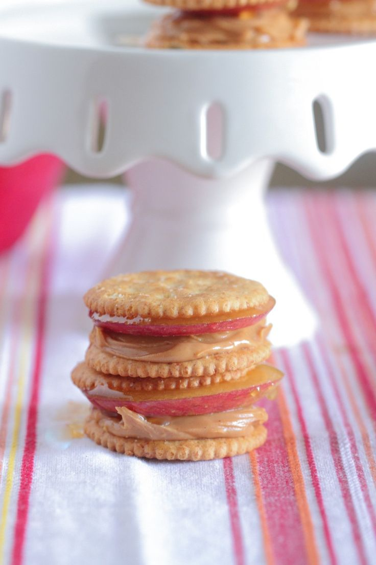 Apple Peanut Butter and Honey Stackers! | Ritz Fre…