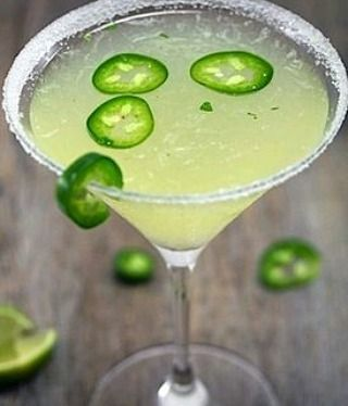 #jalapenos #jalapenojuice #jalapeñoserrano #peru #Margaritas #tequilaherradura #agave #maguey #salt #lemonsorbet #lediablevert #lemons #Cointreau #spicysyrup #spicy #spicymargarita #mixology #mexicancuisine #mexicanculture #mitierra #Mexico #cocktailsoftheday  #bartendetlife #gastronomy #Gastromixology #gastropost #gastroart by vodktonicox.cd March 16 2016 at 12:04PM