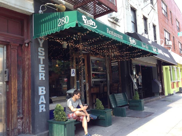 NYC's best deal: US$9 for 6 Oysters and a glass of wine!