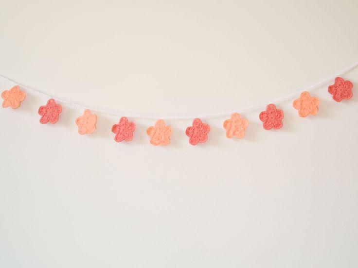 Bandeirola de crochê - Sakura rosa