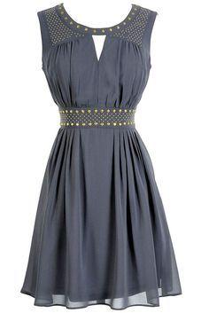 Lindo vestido de fiesta corto y elegante! http://www.miboda.tips/