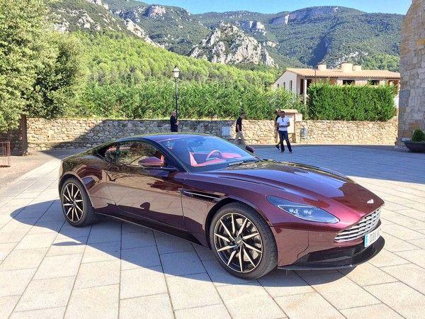 2018 Aston Martin DB11 V8 First Review