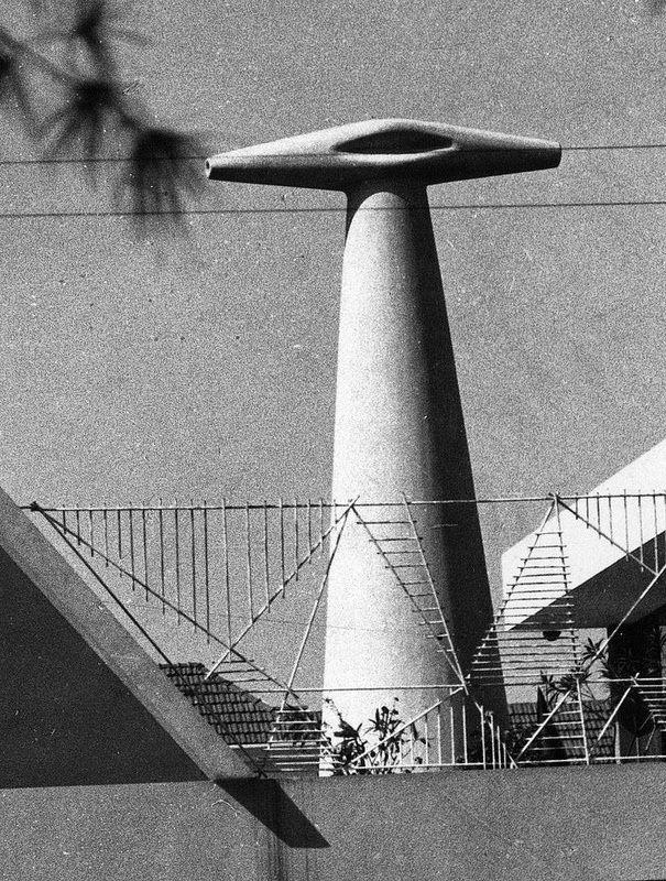 Stiloguedes XX - Casa das Três Girafas (Dr. Luz de Sousa) de 1965