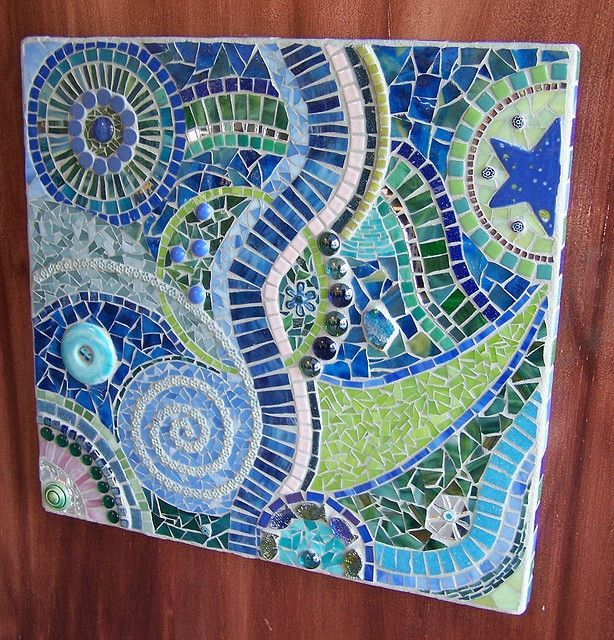 16 best images about mosaic ideas on pinterest mosaics for Garden mosaic designs