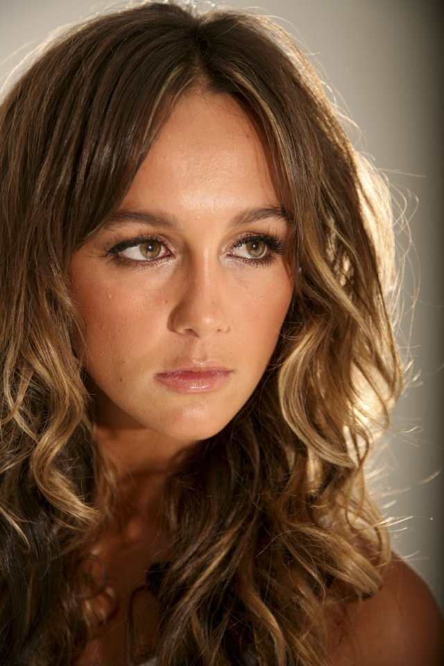 Sharni Vinson Love her whole look!
