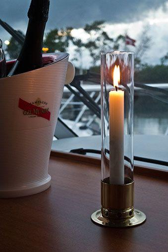 Ljusstake Kattvik i båtmiljö