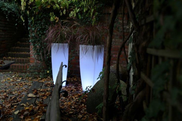 light Poliethylene modern flowers pot TerraForm - how to decorate garden in winter?