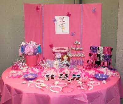 Fancy Nancy dress up table for Posh Belles!