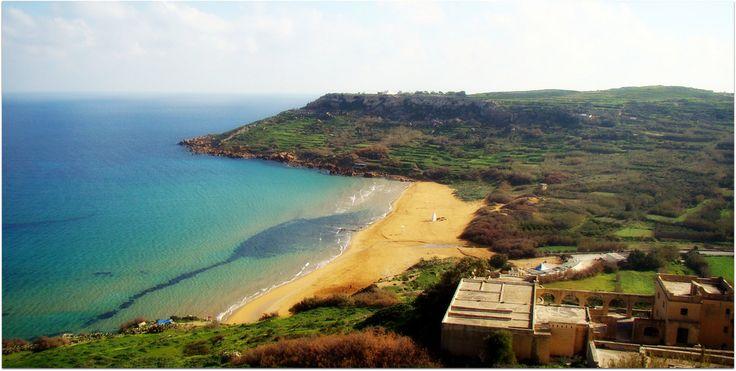 La plage de Ramla Bay sur l'île de Gozo à Malte est une belle baie avec du sable de couleur orange! Accès : Proche de Xaghra, sur l'le du nord Activités : Farniente A proximité : Campings Pour en savoir plus sur l'île de Malte et découvrir le top 10 des plages : Cliquez-ici Vidéo…
