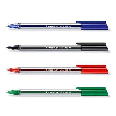BOLIGRAFO STAEDTLER STICK 432.  Colores: Negro, Azul, Verde y Rojo. Bolígrafo triangular y ergonómico de punta media. Escritura suave. Tinta indeleble según ISO 12757-2.