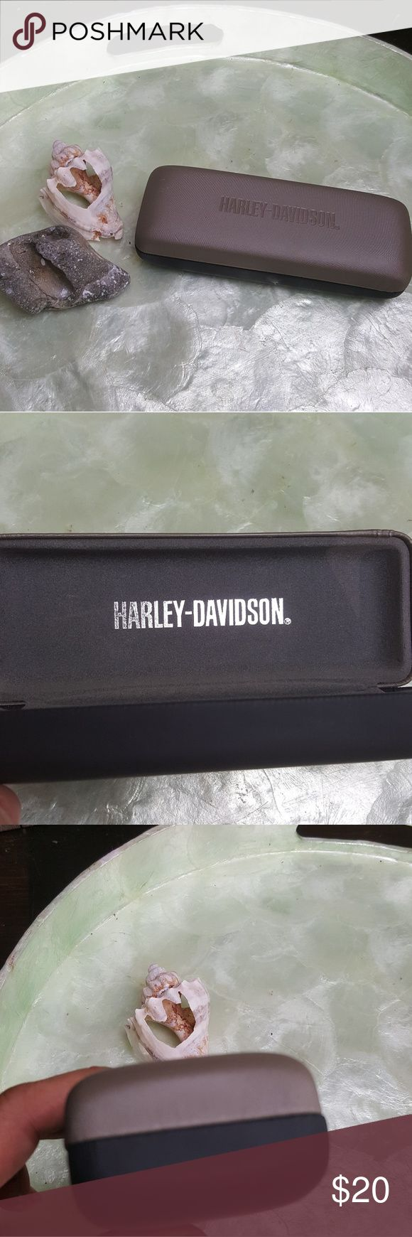 Harley-Davidson slim sunglasses case Very nice condition used HARLEY DAVIDSON Slim glasses case Harley-Davidson Accessories Sunglasses