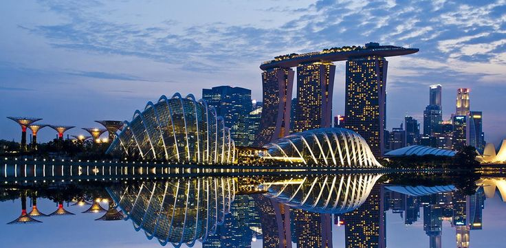 Singapore one of the Safest Countries for Solo Lady Travelers via @PureWow