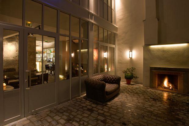 Bar de l'Hôtel Jules & Jim. L'Adresse confidentielle des Parisiens pour prendre l'apéro. Bar de l'Hôtel Jules & Jim,11, rue des Gravilliers, 75003 Paris. http://www.hoteljulesetjim.com/