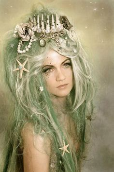 Ghoulia´s peculiars: the most enchanting custom made wigs and headdresses to become a siren ··· | ··· Your Fantasy Costume