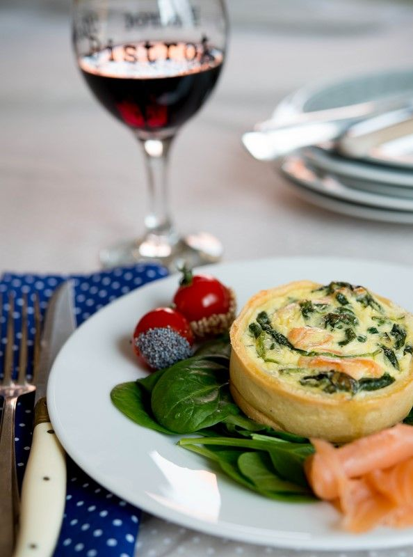 Quiche au saumon ou chèvre et épinards ( Quiche mit Lachs oder Ziegenkäse und Spinat ) | Französisch Kochen by Aurélie Bastian