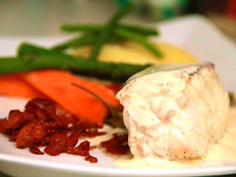 Rimmad torskrygg med knaperstekt bacon