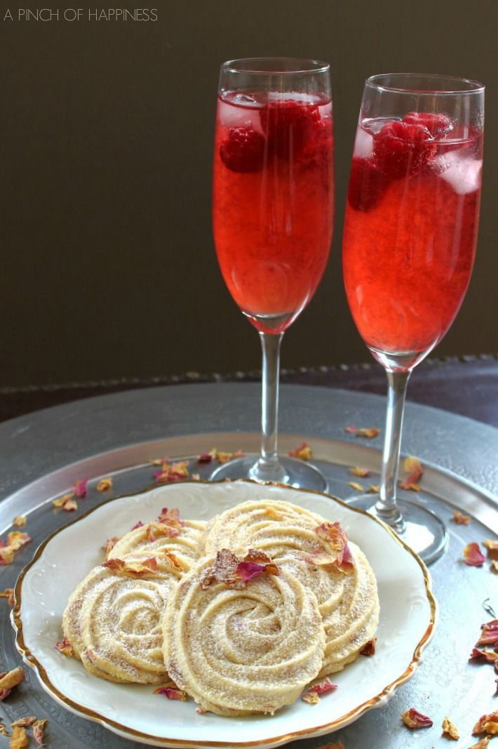 rose biscuits and raspberry iced tea