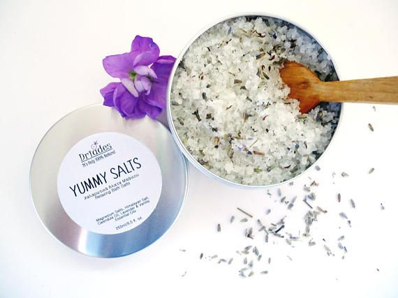 Lavender and vanilla bath salts. Relaxing and detoxifying magnesium bath soak. All natural essential oils and coconut oil bath tea. Gifts for pregnant mom, sister and daughter. Relaxing, vegan gifts for wife. #Handmade by #Driades #bathsalts #naturalskincare #etsyshop #etsyfinds #relaxation #relaxing #lavender #coconutoil #veganbeauty #vegan #pregnant #pregnantlife #crueltyfreebeauty #parabenfree #safecosmetics #bathsoak #magnesiumsalts #epsomsalts