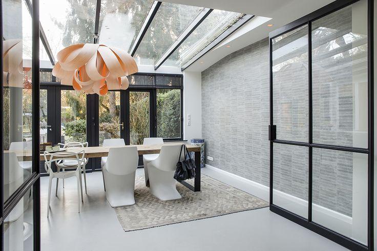 25 beste idee n over metalen deuren op pinterest glazen deur geschilderde garage interieur - Eigentijdse interieurarchitectuur ...