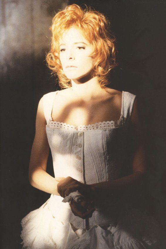 Mylène Farmer - Clip Que mon cœur lâche - Photographe : Marianne Rosenstiehl - Octobre 1992