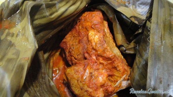Aprende a preparar cochinita pibil estilo Yucatán con esta rica y fácil receta. Un platillo representativo de la comida yucateca es la cochinita pibil cuyos colores...