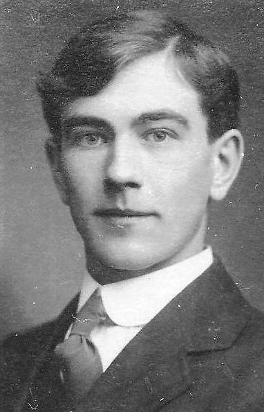 Owen Vincent Austin WW1 Royal Navy of Finedon Gate Inn High St. His mine sweeper was sunk by a German ship in the English Channel. He was in the water for a long time until rescued. He passed away during WW2 at the Gate Inn. He was the father of Donald & Gladys Austin