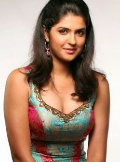 Deeksha Seth Height, Weight, Age, Biography, Wiki, Bikini photos, Images  #DeekshaSeth