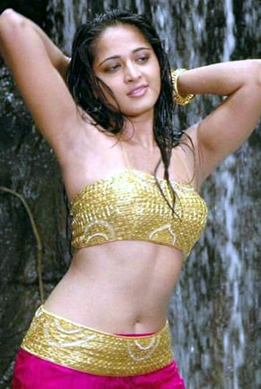 Anushka shetty hot in bra all not