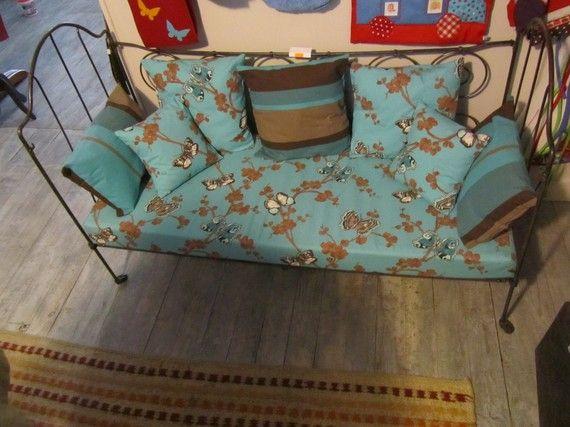 ancien chariot industriel canapes. Black Bedroom Furniture Sets. Home Design Ideas