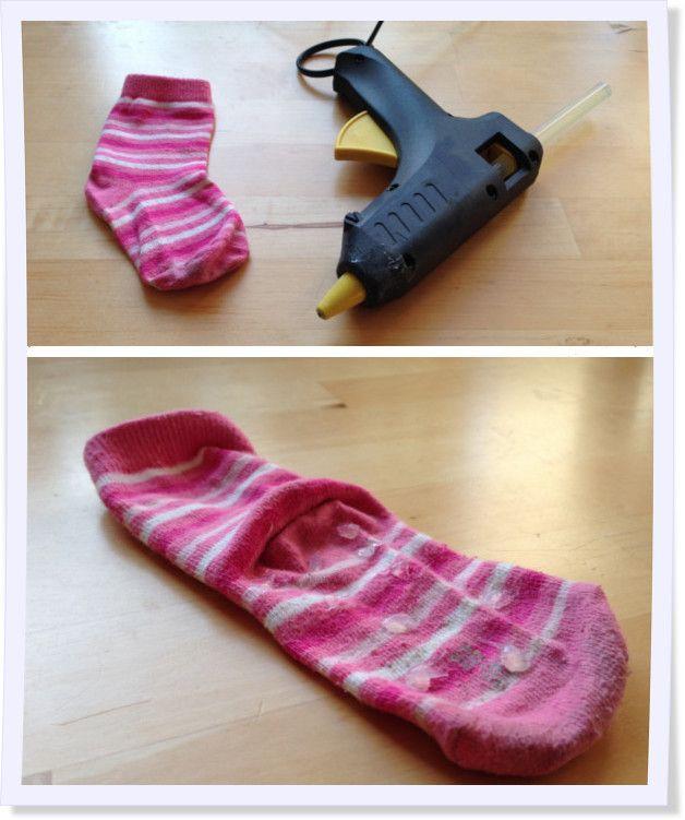 #diy Anti-rutsch Socken. #glue #socks #Socken #Stoppersocken #Kleber