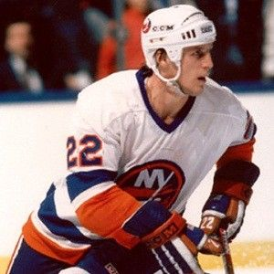 Want to play a round of golf with #NYIslanders great Mike Bossy? #NHL #StanleyCup