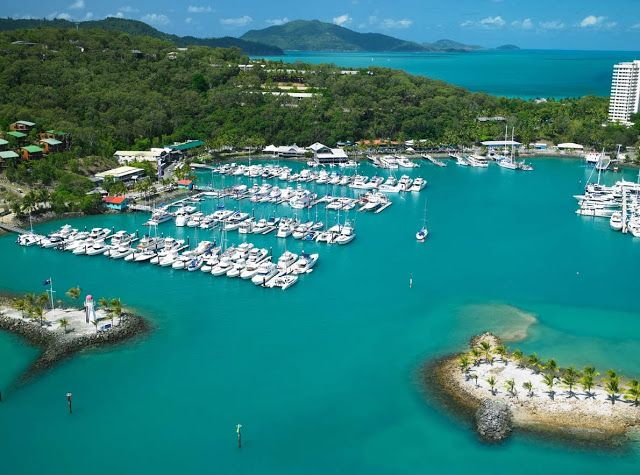 Hamilton Island, one of the Whitsunday Islands of Queensland, Australia. It is part of the Great Barrier Reef. / Travel Guide