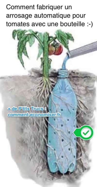 Les tomates sont très gourmandes en eau. Alors comment garder les tomates bien humides sans gâcher de l'eau ? L'astuce est d'enterrer une bouteille percée et de la remplir d'eau. Regardez :-)  Découvrez l'astuce ici : http://www.comment-economiser.fr/fabriquer-arrosage-automatique-pour-tomates-avec-bouteille.html?utm_content=bufferf7ec4&utm_medium=social&utm_source=pinterest.com&utm_campaign=buffer