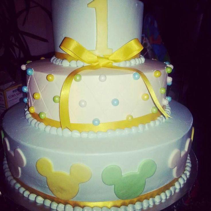 Mickey mousr cake