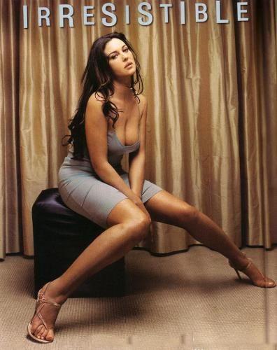 Monica Belucci legs - #feet #legs #celebrity #footfetish #fetish