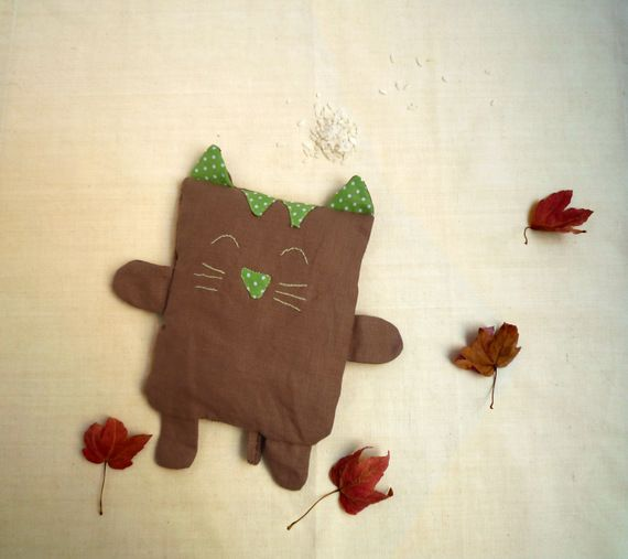 Bouillotte sèche chat brun et vert - Soft kitty warm kitty ...  Cute kitty to keep you warm during the winter