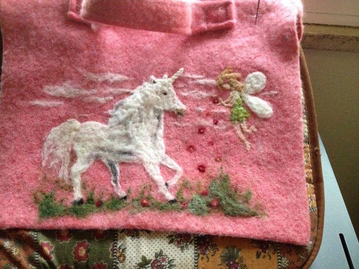 Cartella realizzata in lana cardata