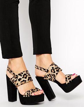 Sandalias de plataforma con estampado animal Squat de New Look