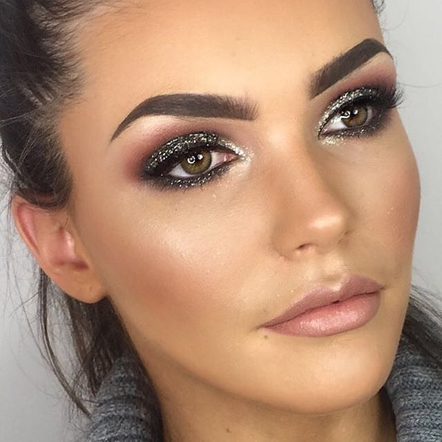 Complexion perfection right here  @katiewinklermakeup creates a totally flawless finish on babe @amberthorn using our VANI-T Mineral Liquid Foundation 'Almondine'. #playitup at vani-t.com #vanit