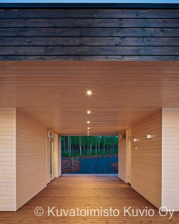 Plushuvila is a wooden villa in Mäntyharju, Finland. It's designed by Plusarkkiethdit.