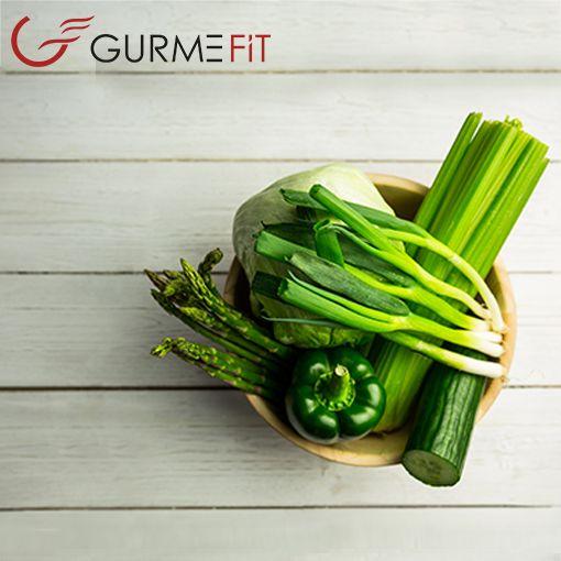 Meyve ve sebzeler; Düşük kalorili, lif yönünden zengin meyve ve sebzeleri atıştırmak hem açlığımızı hem de kalorimizi kontrol altında tutar. Daha sağlıklı ve uzun bir yaşam sürdürmemizi sağlar.  #diyet #menuler #sporcu #yemekleri #sporcuyemekleri #fit #diyetyemekler #yemeksiparisi #sporcumutfagi #diyetmutfak #diyetmenu #saglik #sagliklibeslenme #diet #athlete #dishes #fit #dietmeals #cookedtoorder #athletescuisine #dietcuisine#dietmenus #gym #gymlife #fitness #healt #bodybuilding