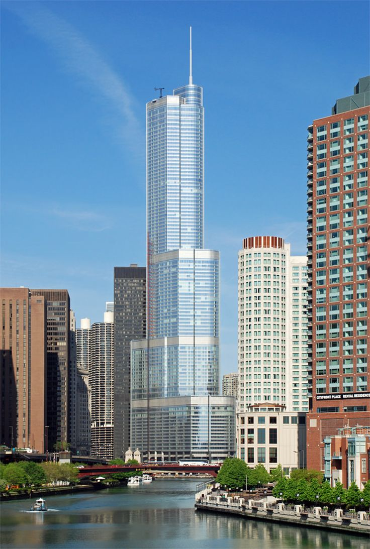 13. Trump International Hotel And Tower in Chicago, USA 1389 ft