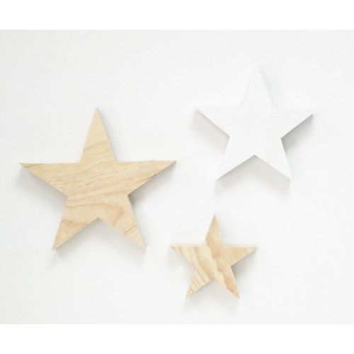 Estrellas de madera 8,50 euros.