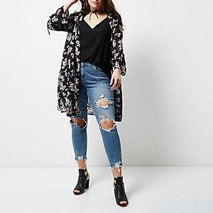 River Island plus size clothing, a link to remind me there is another great place to shop for old women's clothing. [Plus black floral print duster coat]