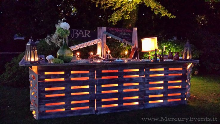 Bancone Bar Vintage, la nuova vita di pallet e oggetti retrò... Eco-Bar la novità proposta in anteprima da Mercury Events!