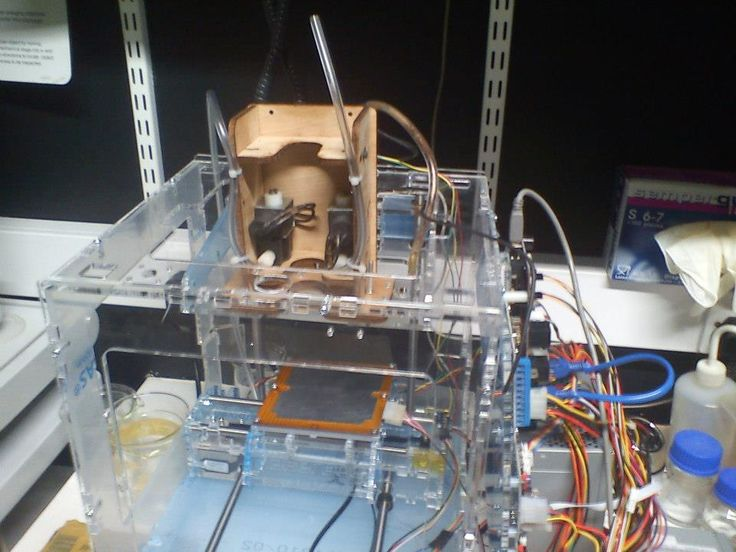 #startup #earlydays #3dbioprinting, #metacarpal, #3dbioprintingfingers, #medtech  #makerbot thingomatic with #frostruder  www.weare3dbioprintinghumans.org