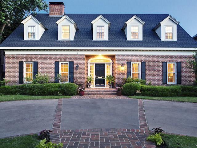 Got Your Heart Set On University Park Classic Red Brick Colonial Raises Iq For