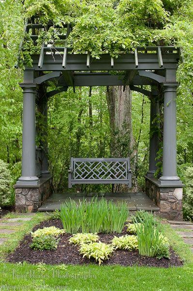 Gorgeous garden  www.stephaniejoyc...