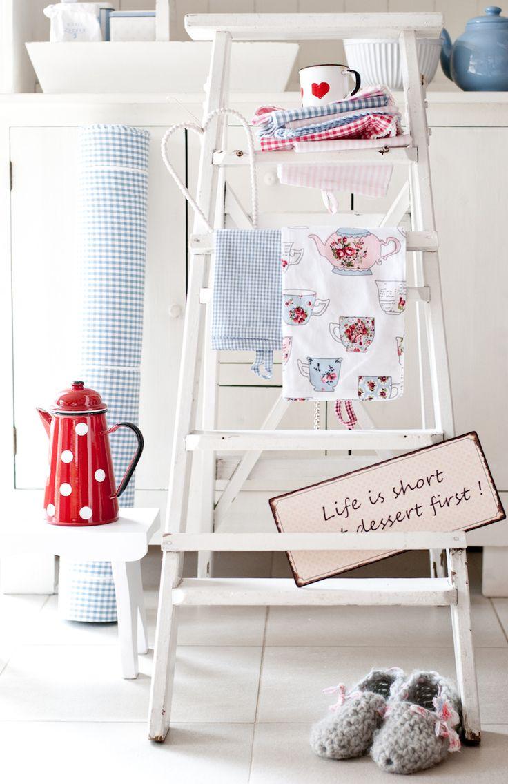 Red, Krasilnikoff, ladder